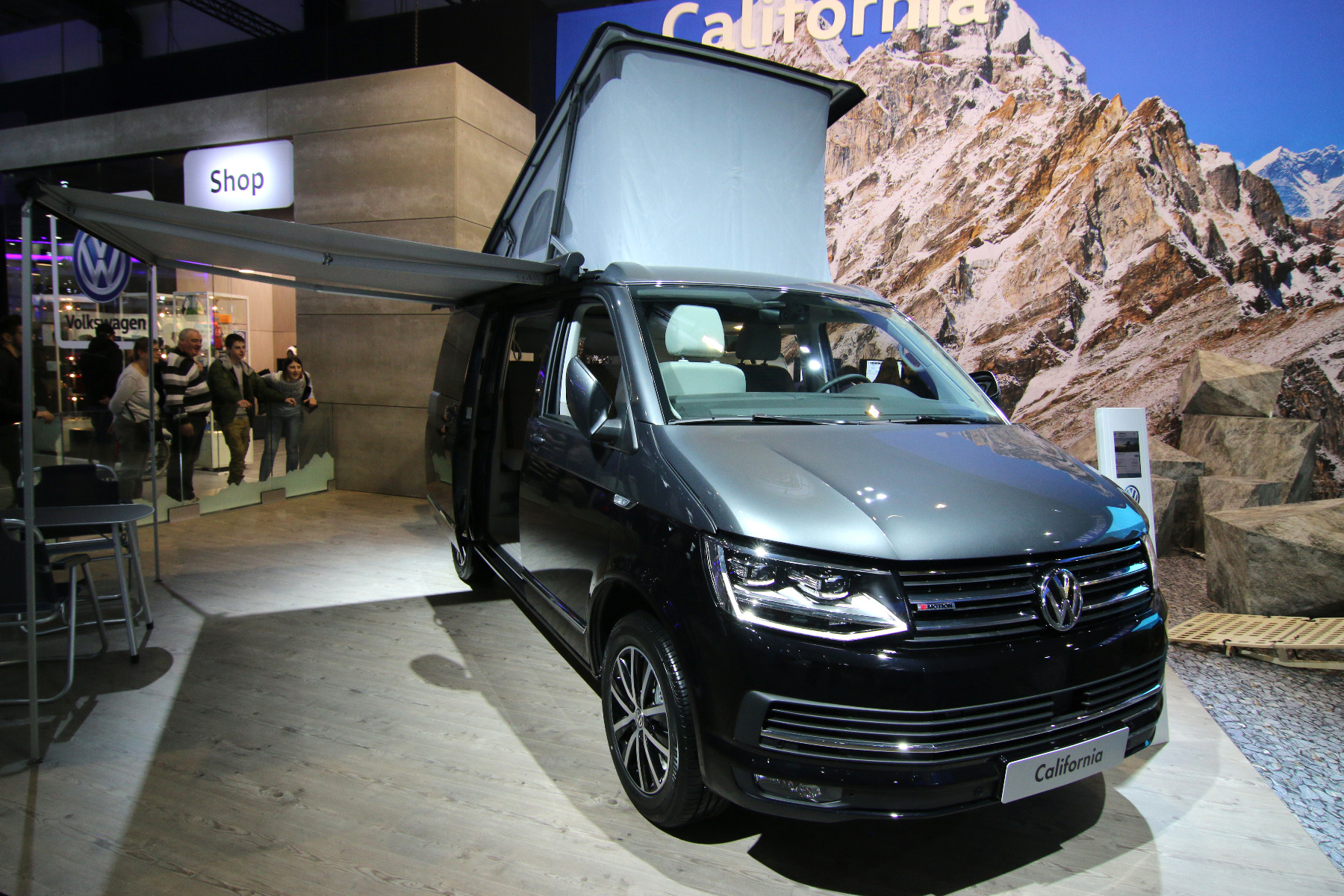 what are the features of a vw california leisure battery