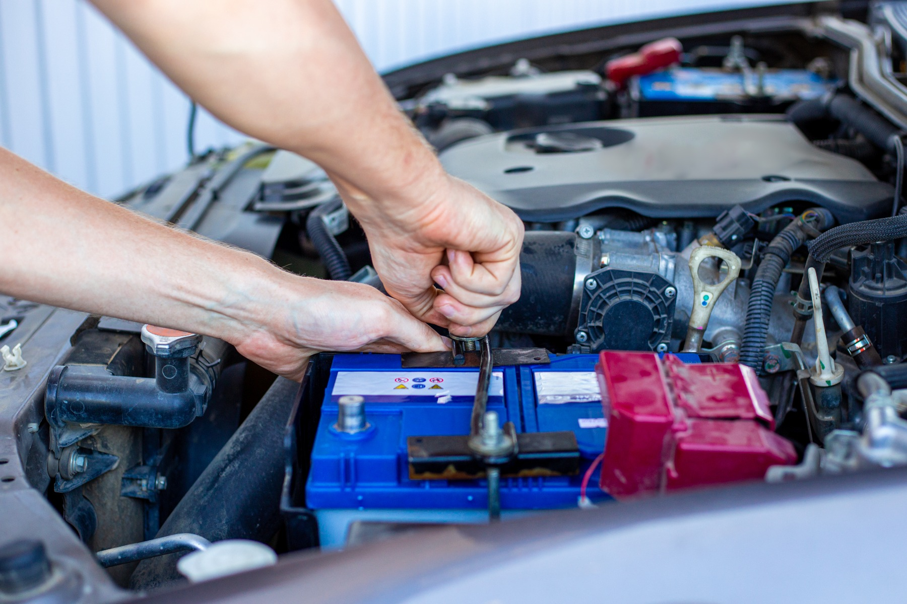 how much is a new car battery uk market
