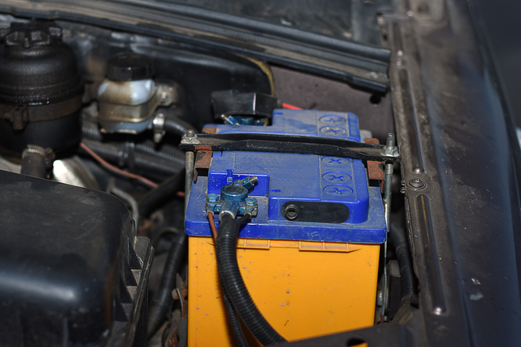 where to find a cheap car battery in the uk