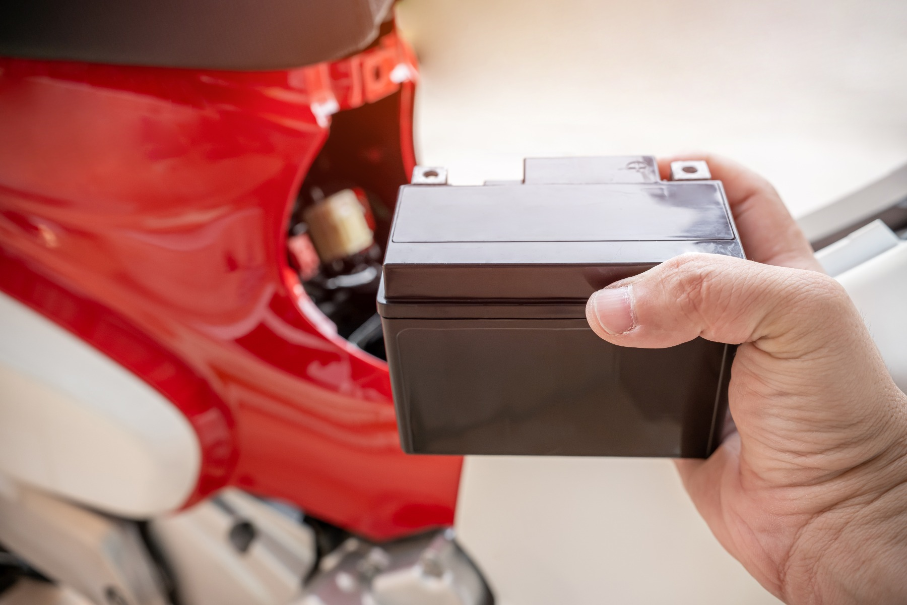 how to choose a small motorbike battery