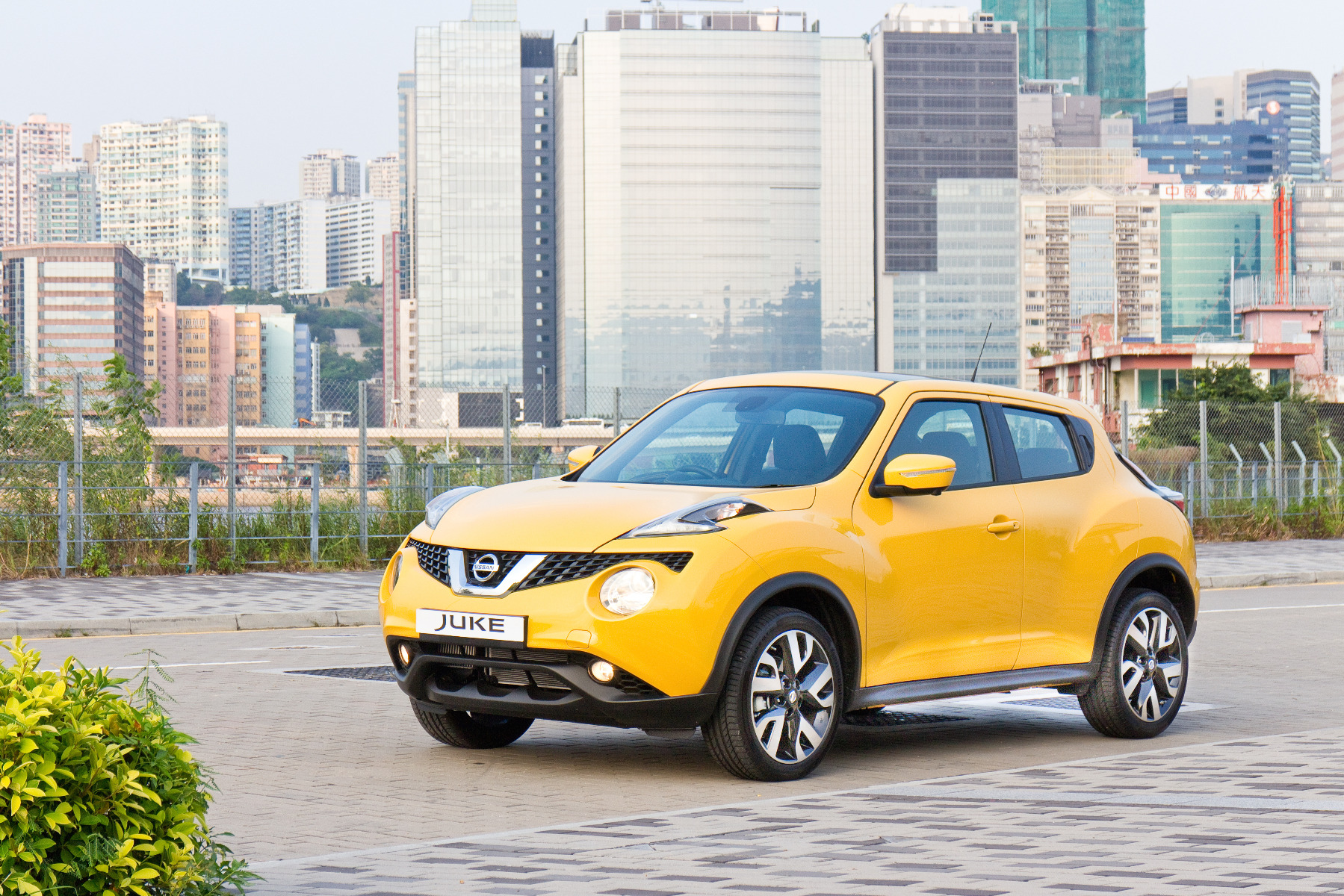how to check a Nissan juke car battery