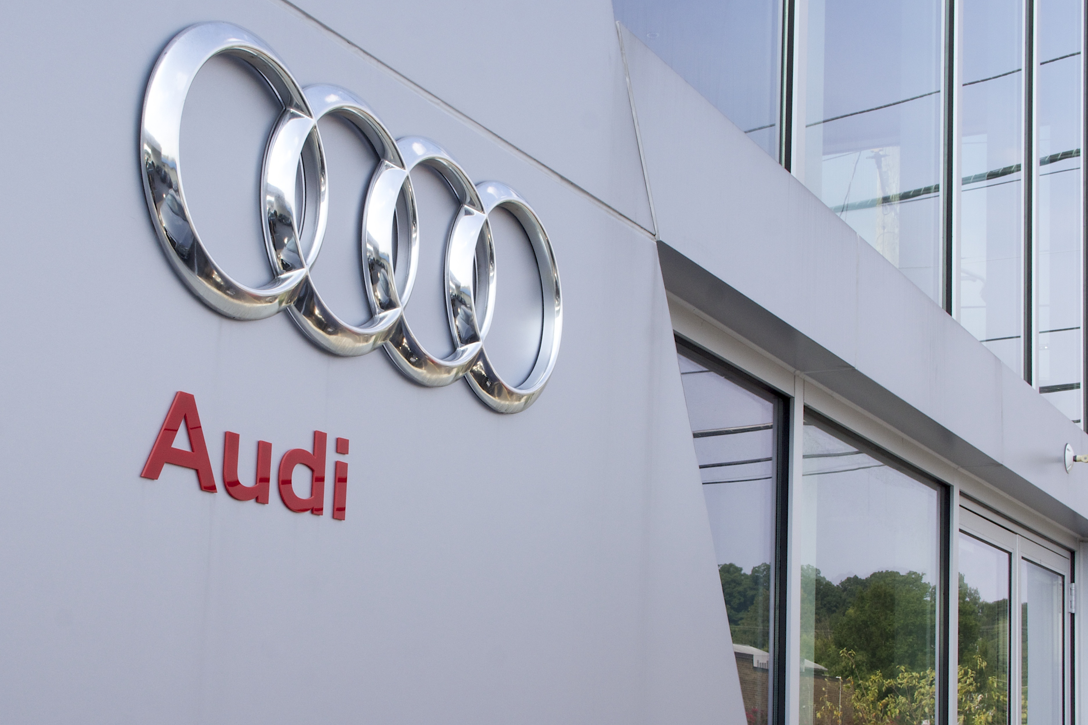 where to find audi car batteries