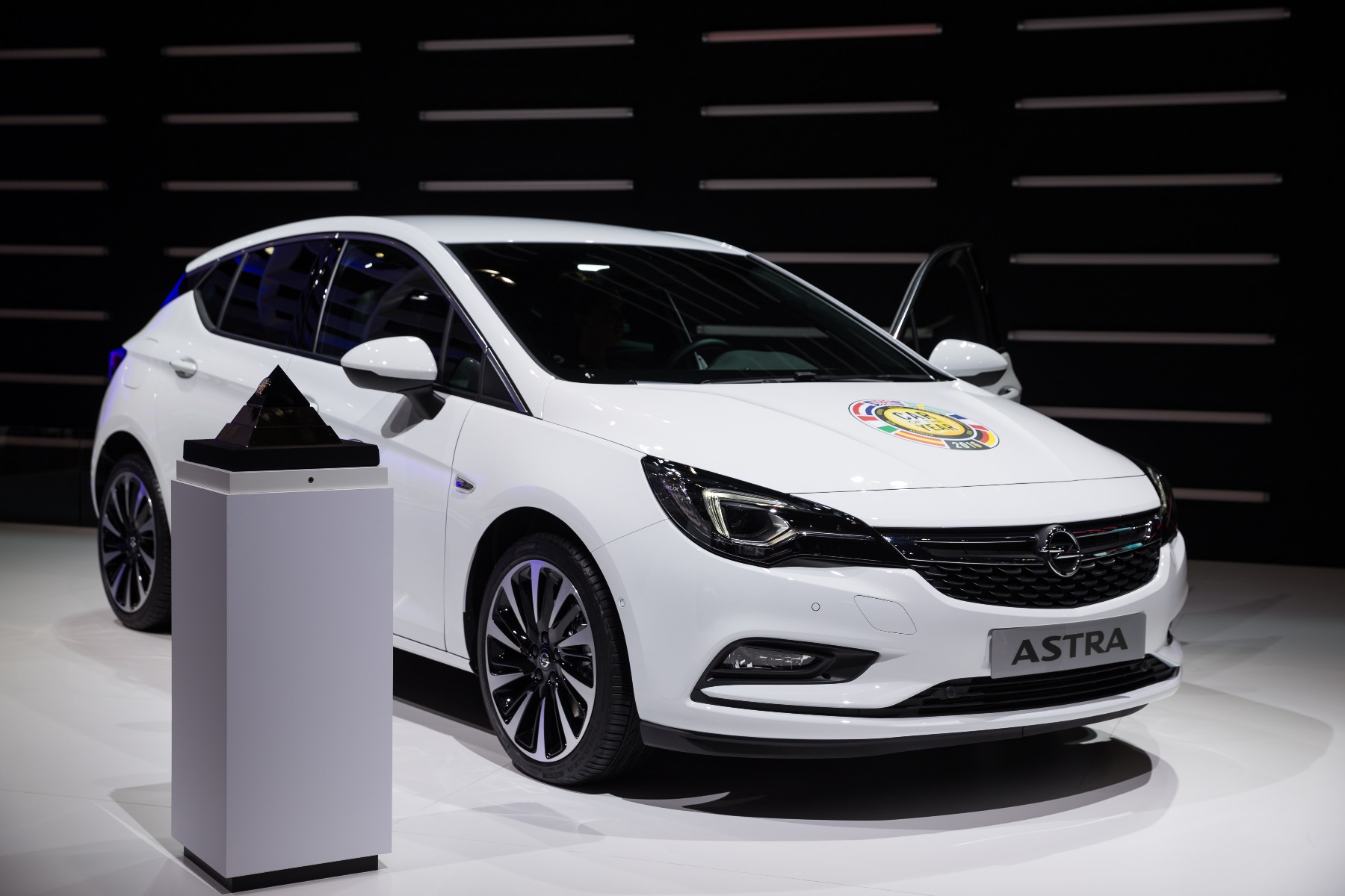 where to buy a vauxhall astra car battery