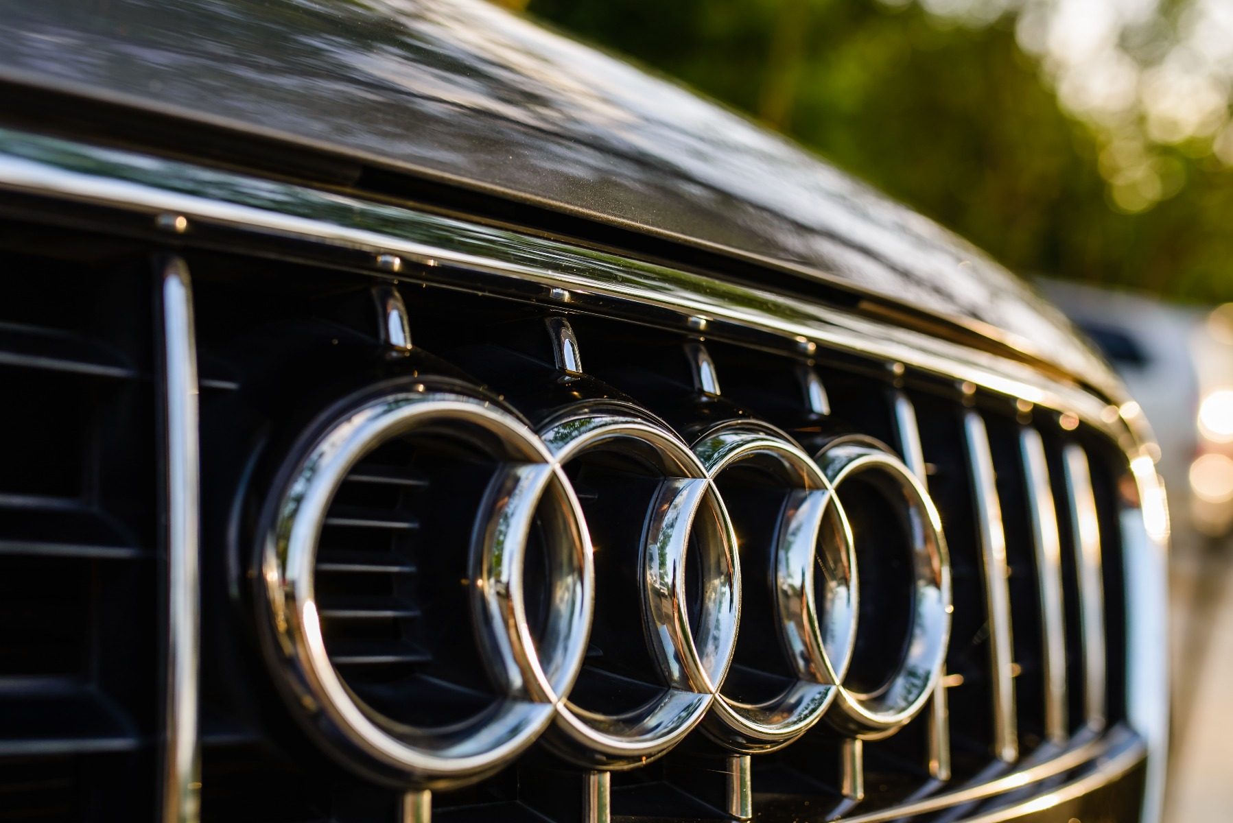 how much does an audi battery for a car cost