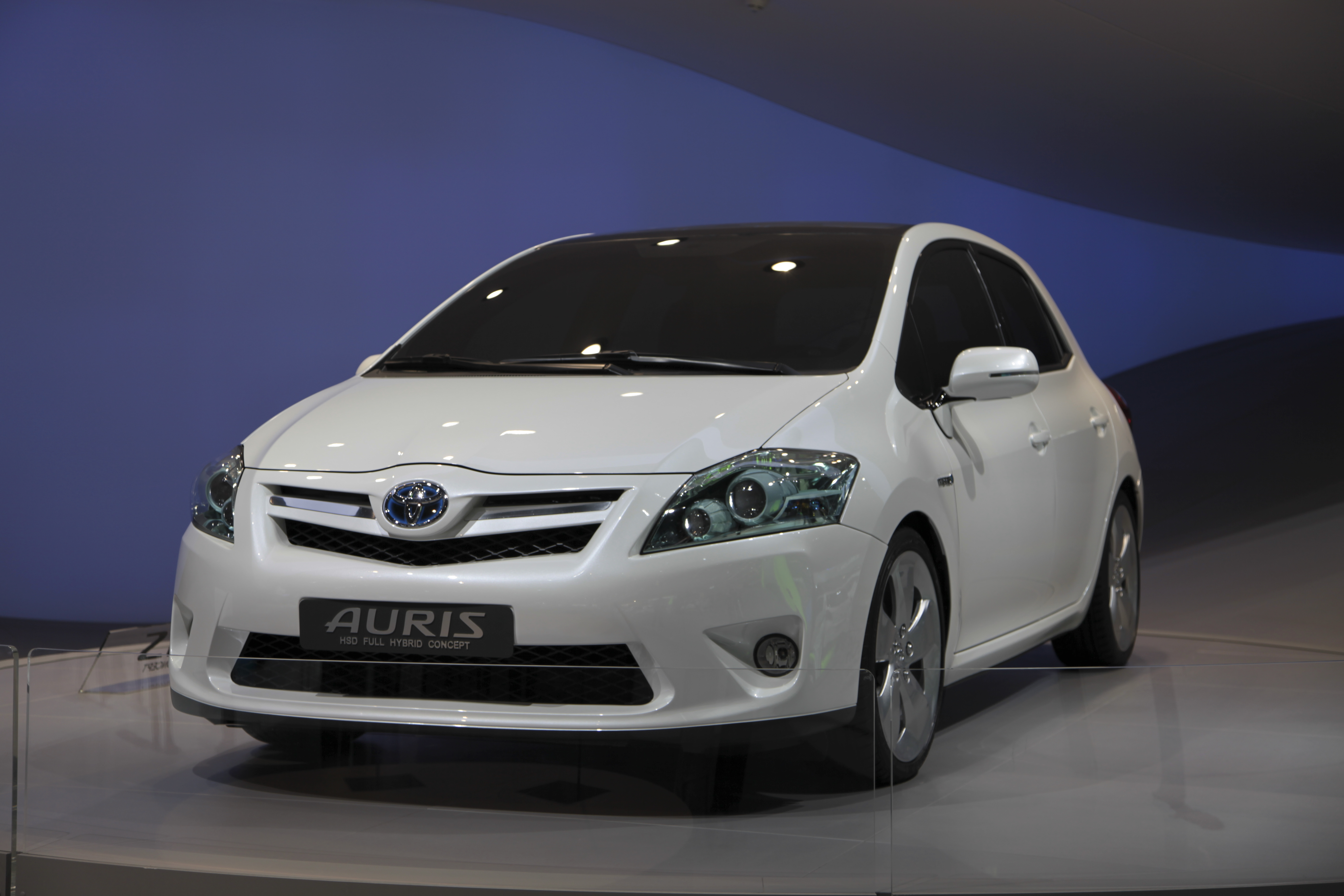 how much is a toyota auris car battery