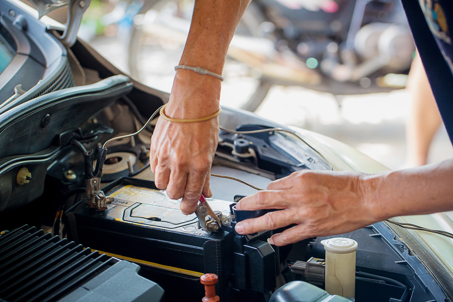 how to find the best new car battery price