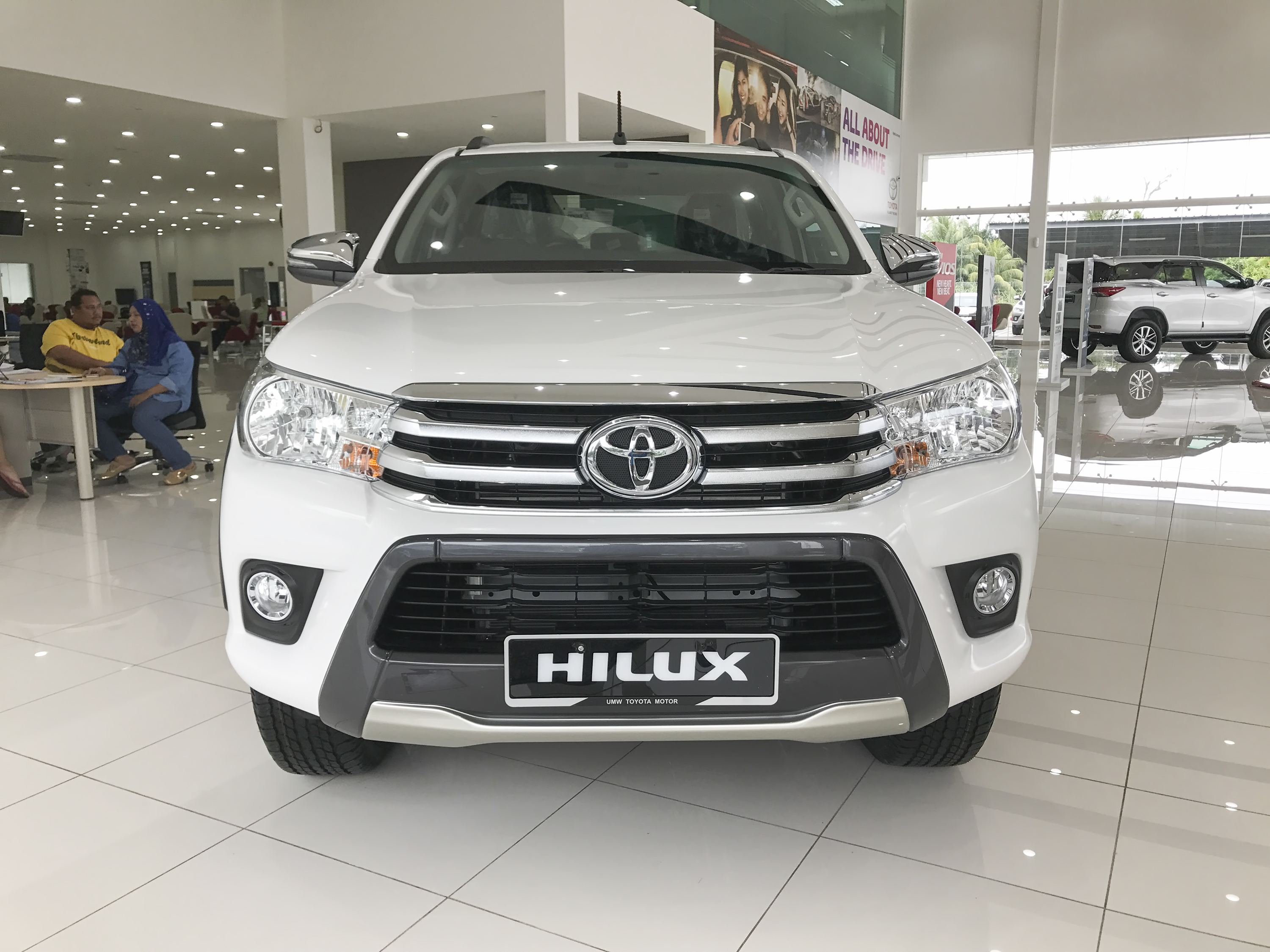 what is the price of toyota hilux two batteries
