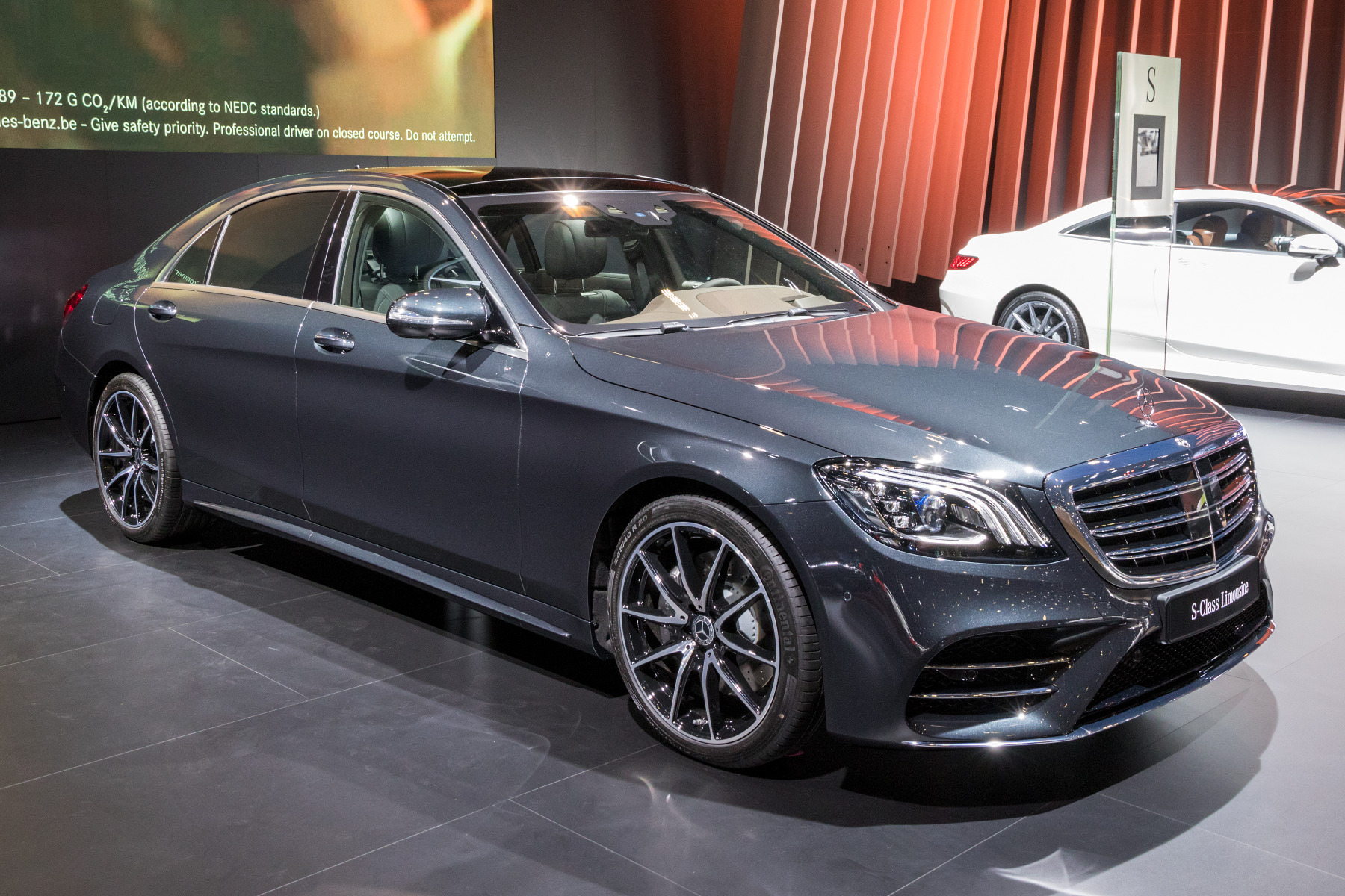 how much is a mercedes benz battery in the uk