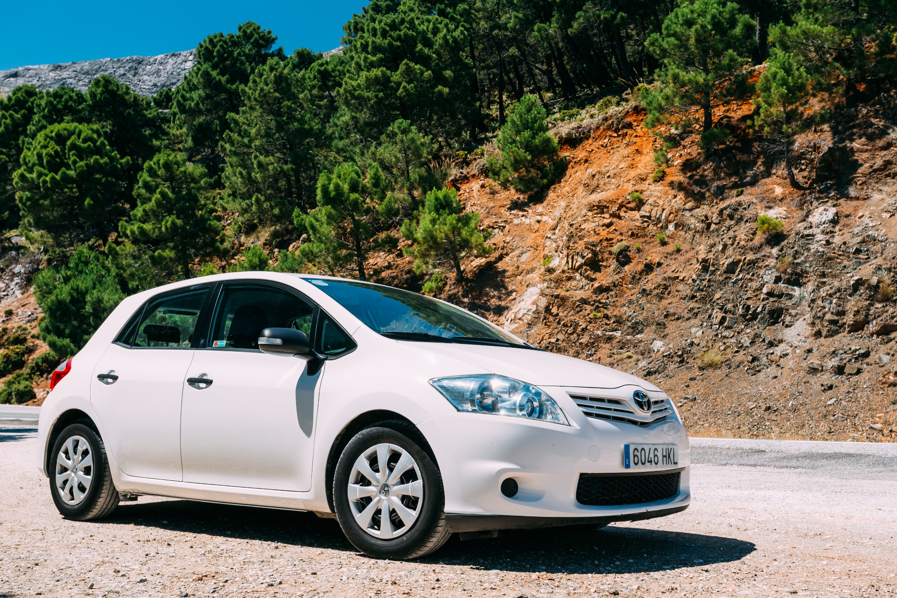 what is the best toyota auris car battery